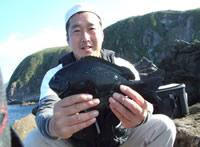 オキナメジナを釣った筥崎会員